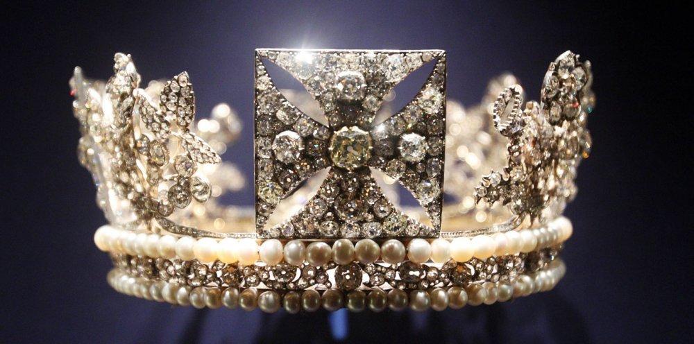 تاج الملكة إليزابيث
